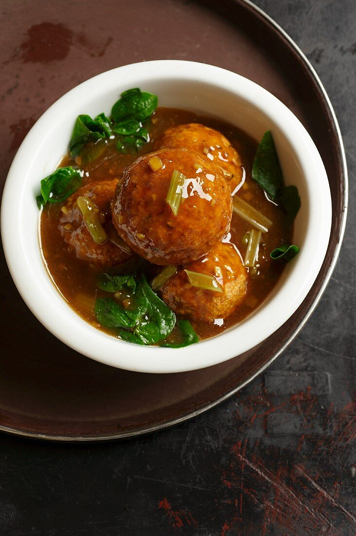 Vegetable and tofu dumplings with Malabar spinach