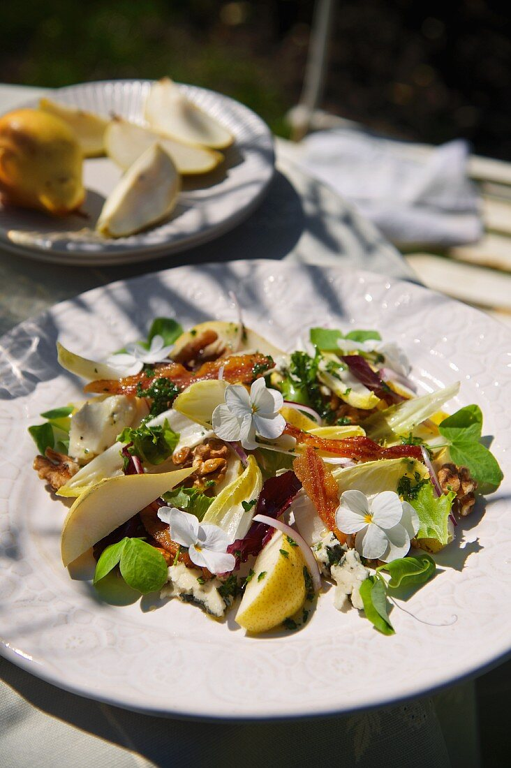 Pears with Roquefort, bacon and walnut vinaigrette
