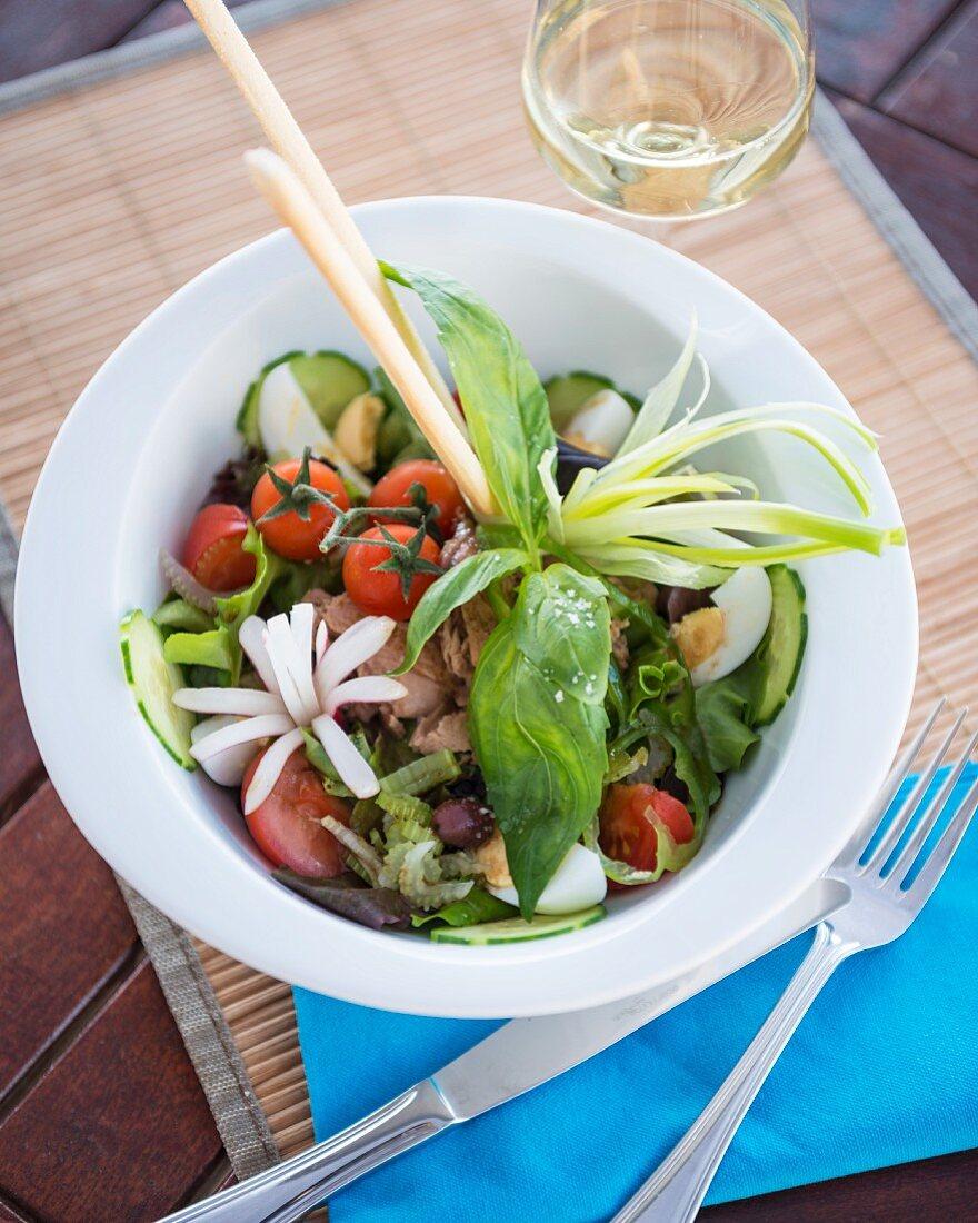 Niçoise salad with grissini