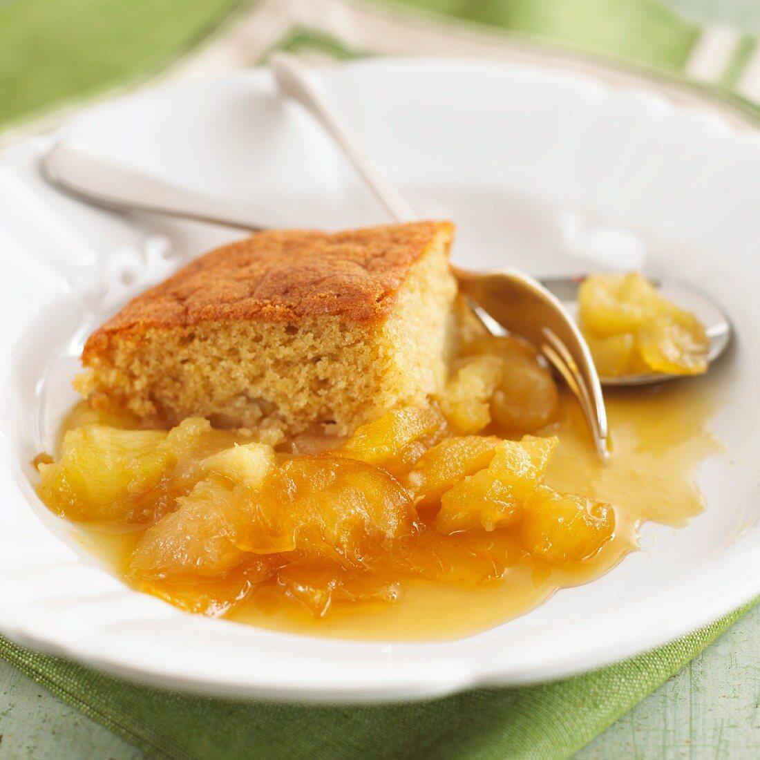 Toffee-apple pudding (England)