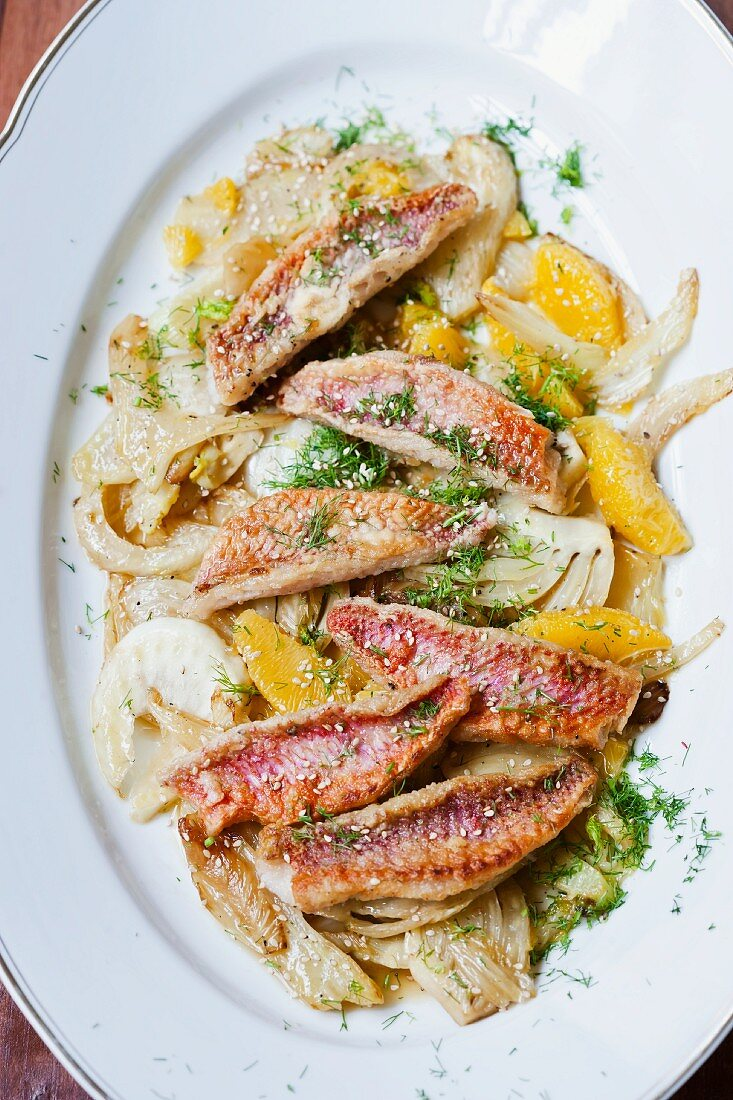 Fillets of red mullet with fennel and orange segments