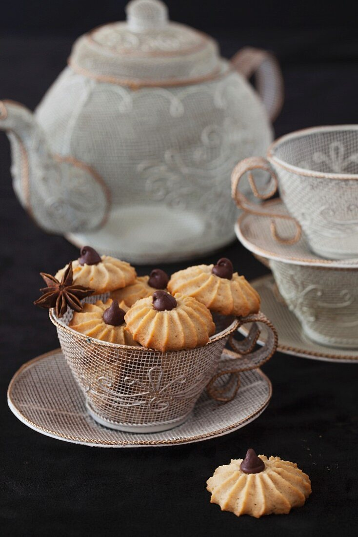 Anise cookies with chocolate chips