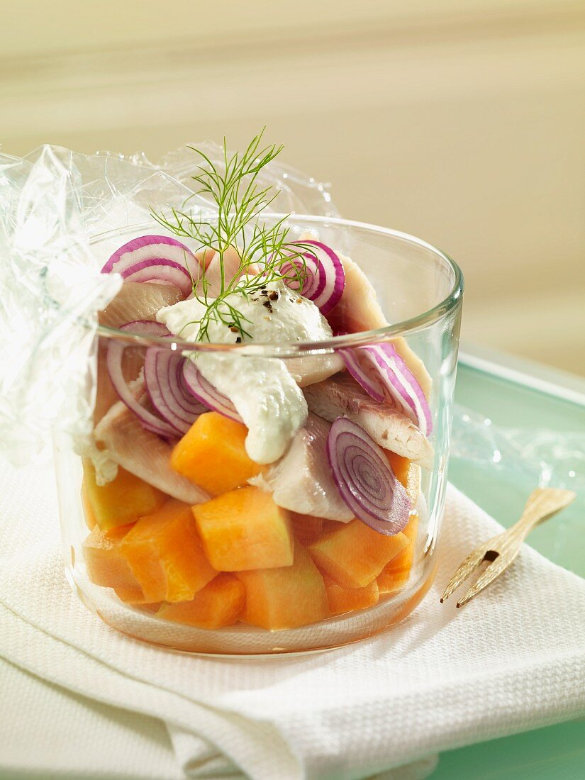 Trout fillets with melon and horseradish cream