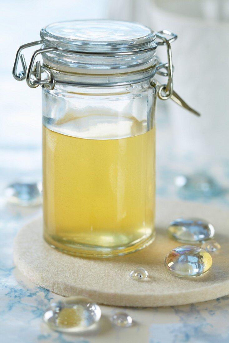 Homemade hair water for a natural shine