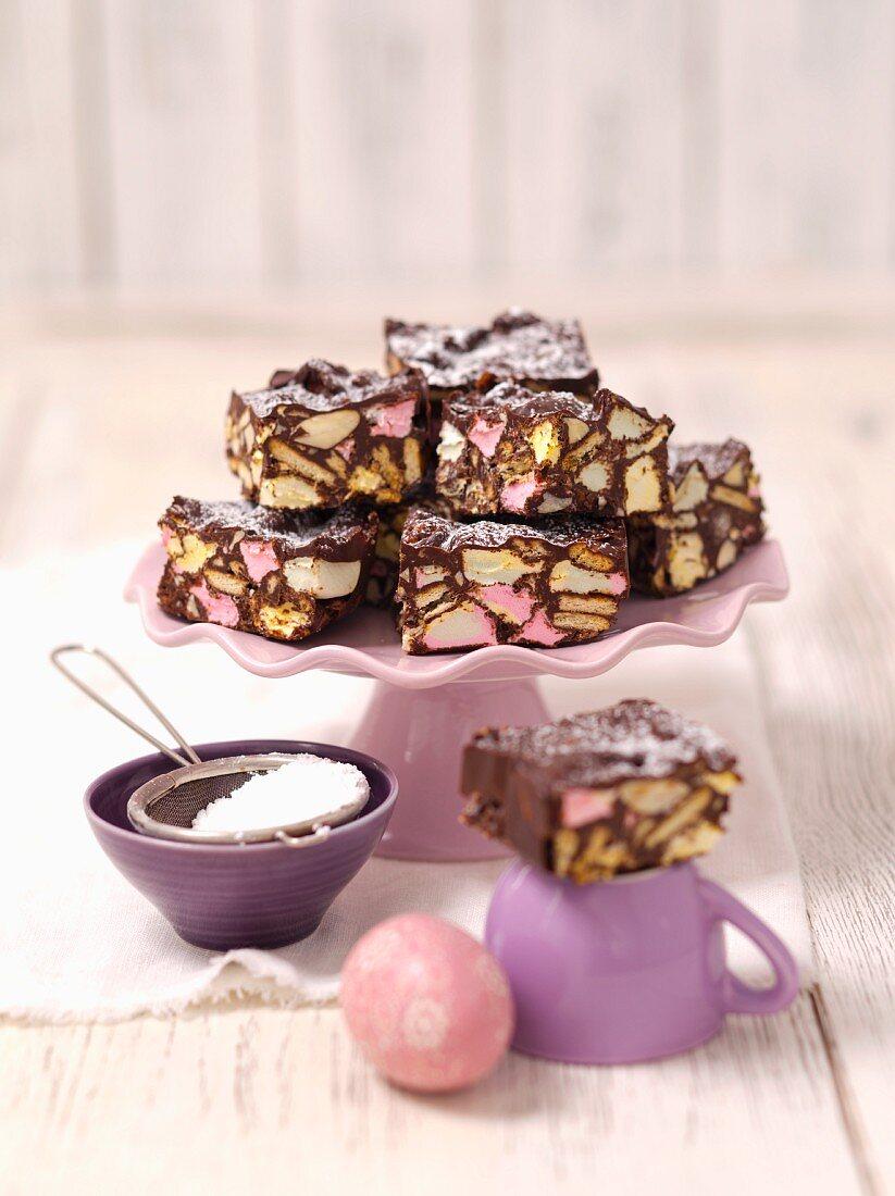 Rocky road cake (Refrigerator cake with marshmallows, USA)