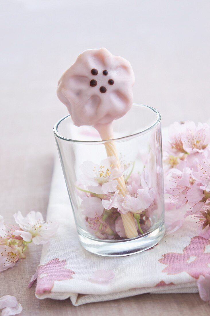 A flower-shaped cake pop