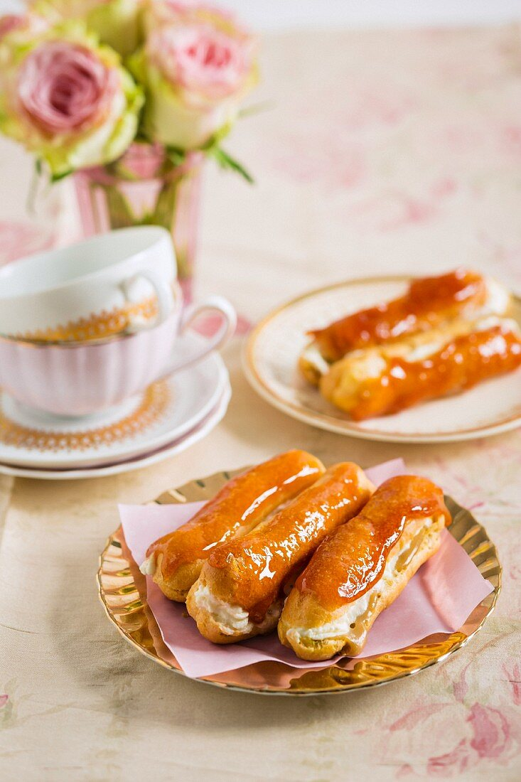 Caramel eclairs with coffee cream