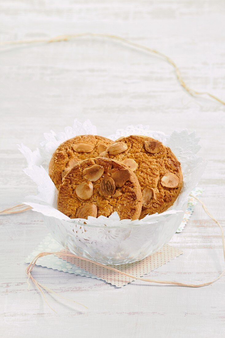 A bowl of almond biscuits