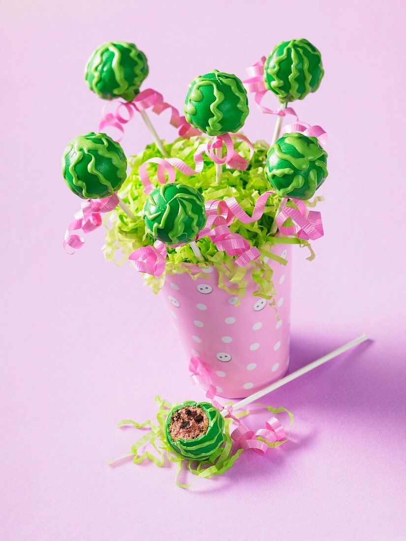 Cake pops for a summer party