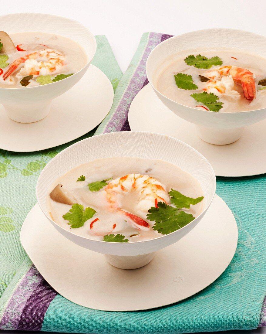 Prawn soup with coriander (Thailand)