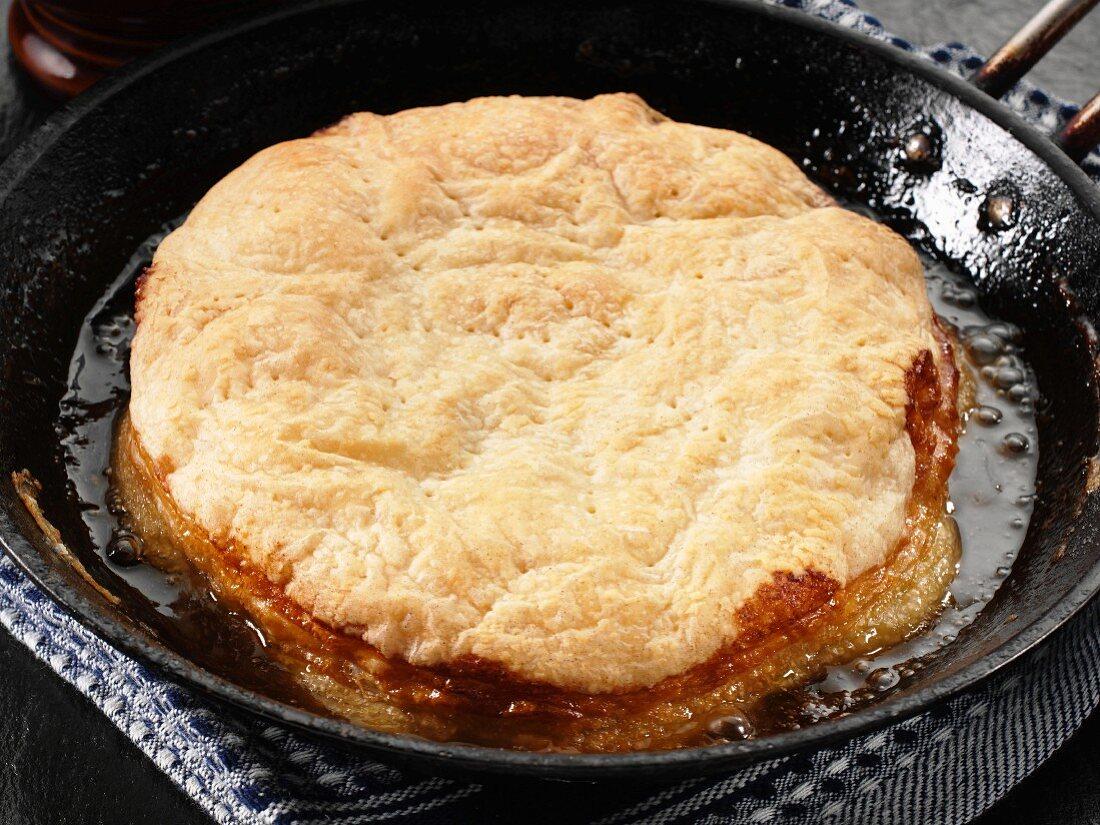 Apple pie in a pan