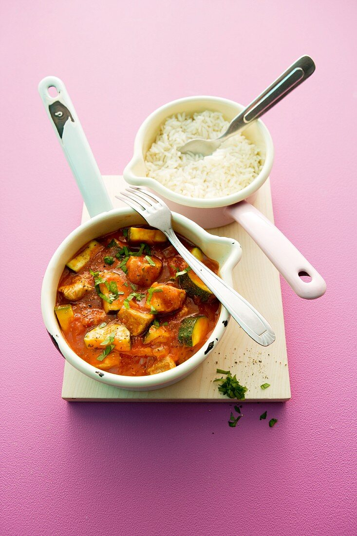 Shashlik stew with pork, courgette and a side of rice