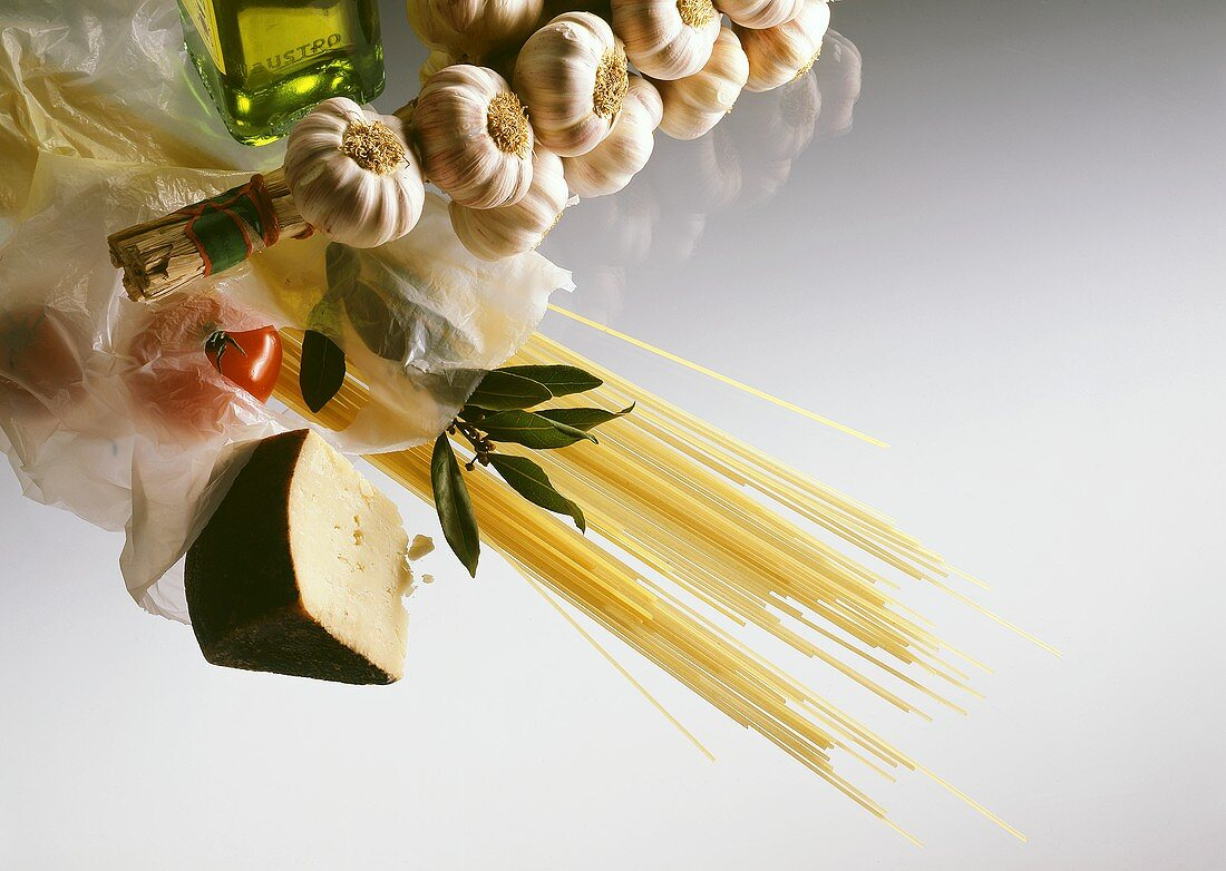 Basic ingredients for pasta dishes