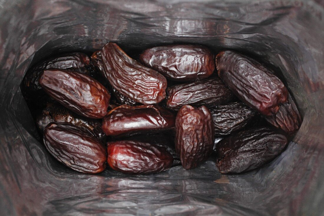 A bag of dates (seen from above)