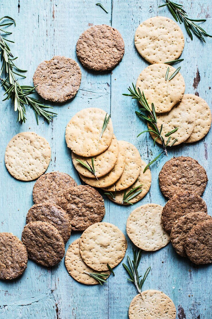 Crackers, oat cakes and rosemary