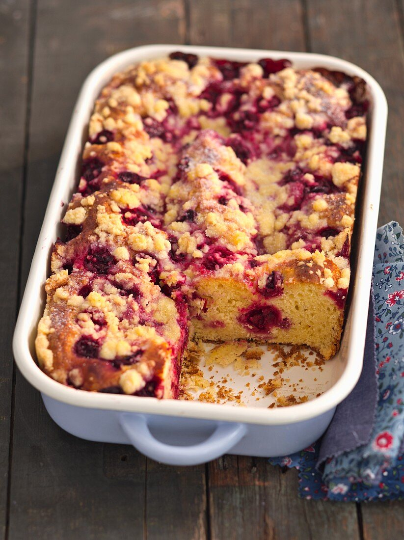 Yeast dough cake with sour cherries