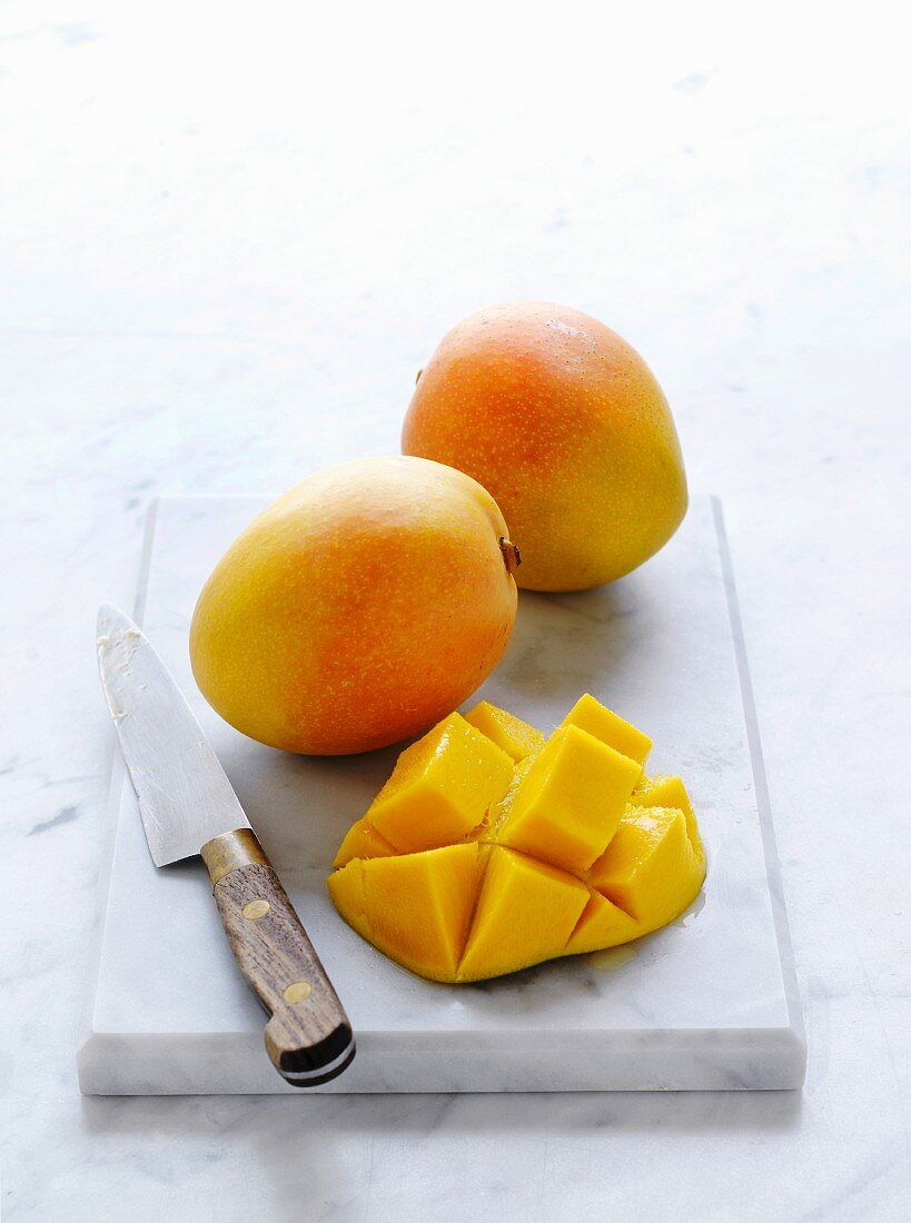 Kensington Pride mangos, whole and sliced