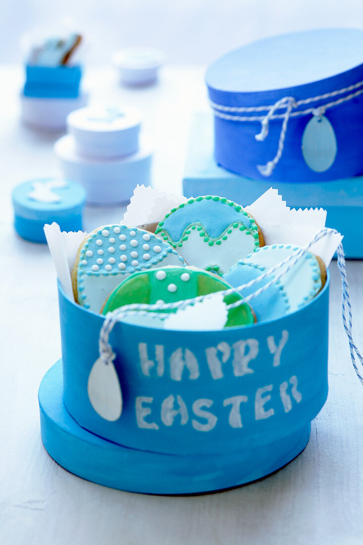 Easter biscuits to give as a gift