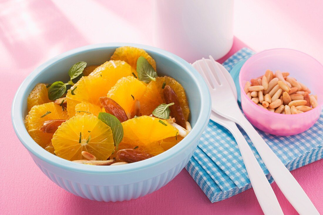 Oriental orange salad with dates and pine nuts