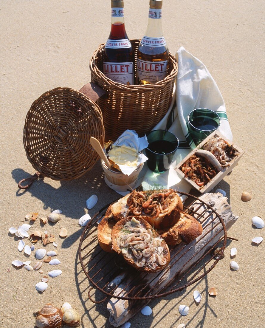 A picnic on the beach at Cape Ferret (France)