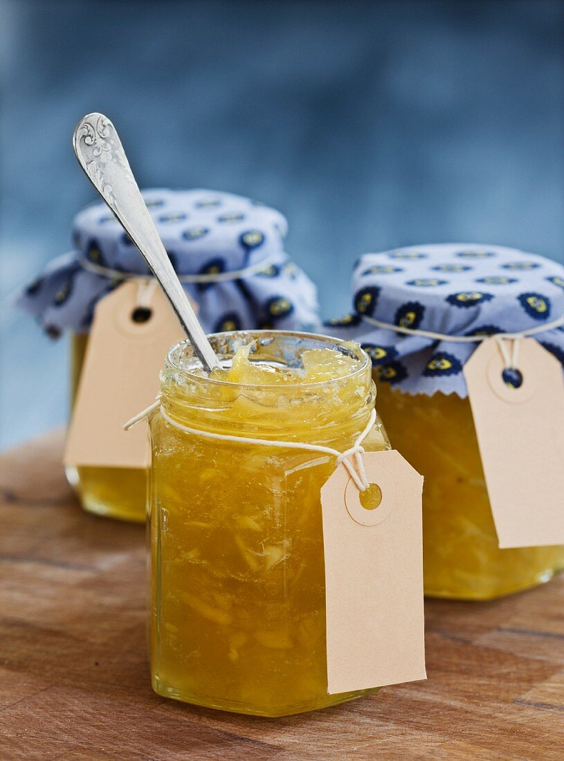 Green apple chutney with ginger