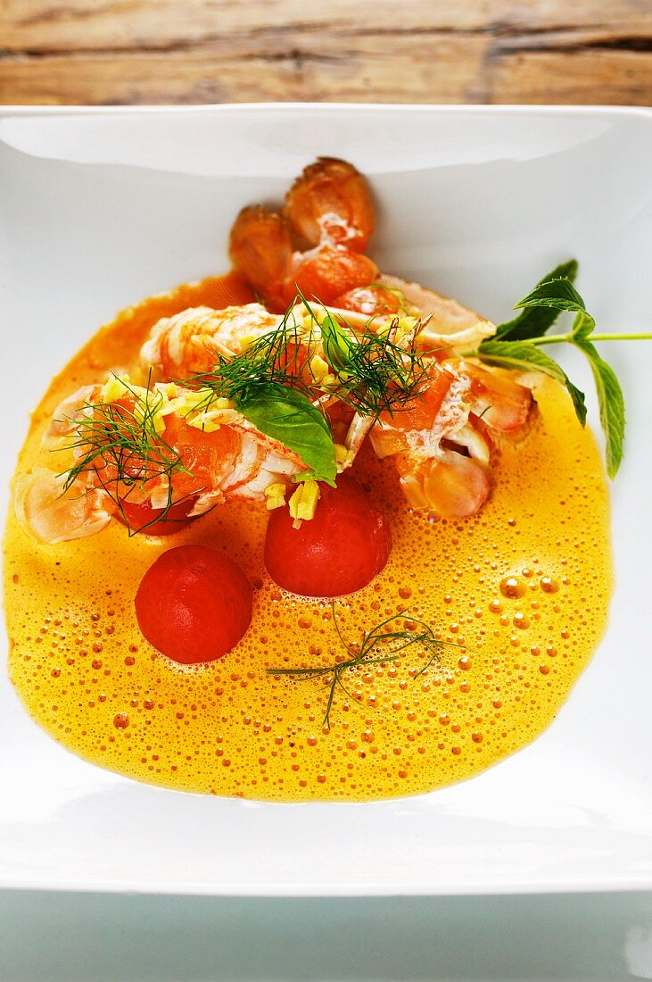 Crayfish soup with tomatoes and ginger