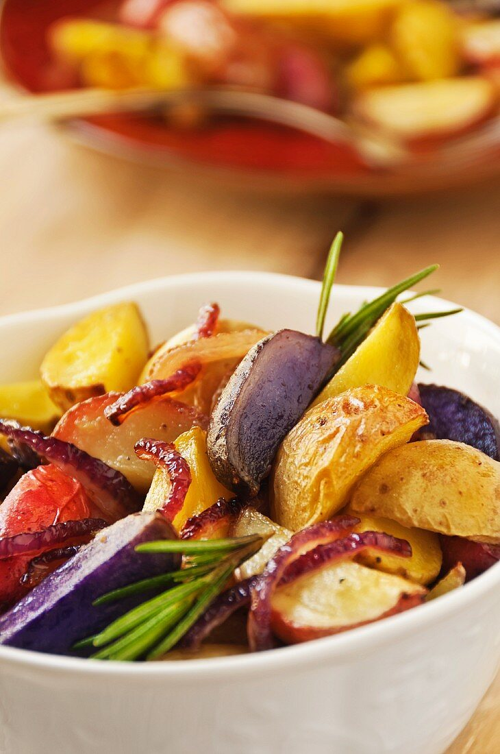 Oven-baked potatoes with rosemary
