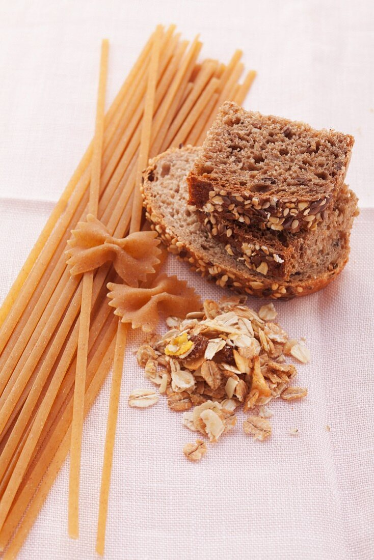 Wholewheat noodles, wholewheat bread and muesli