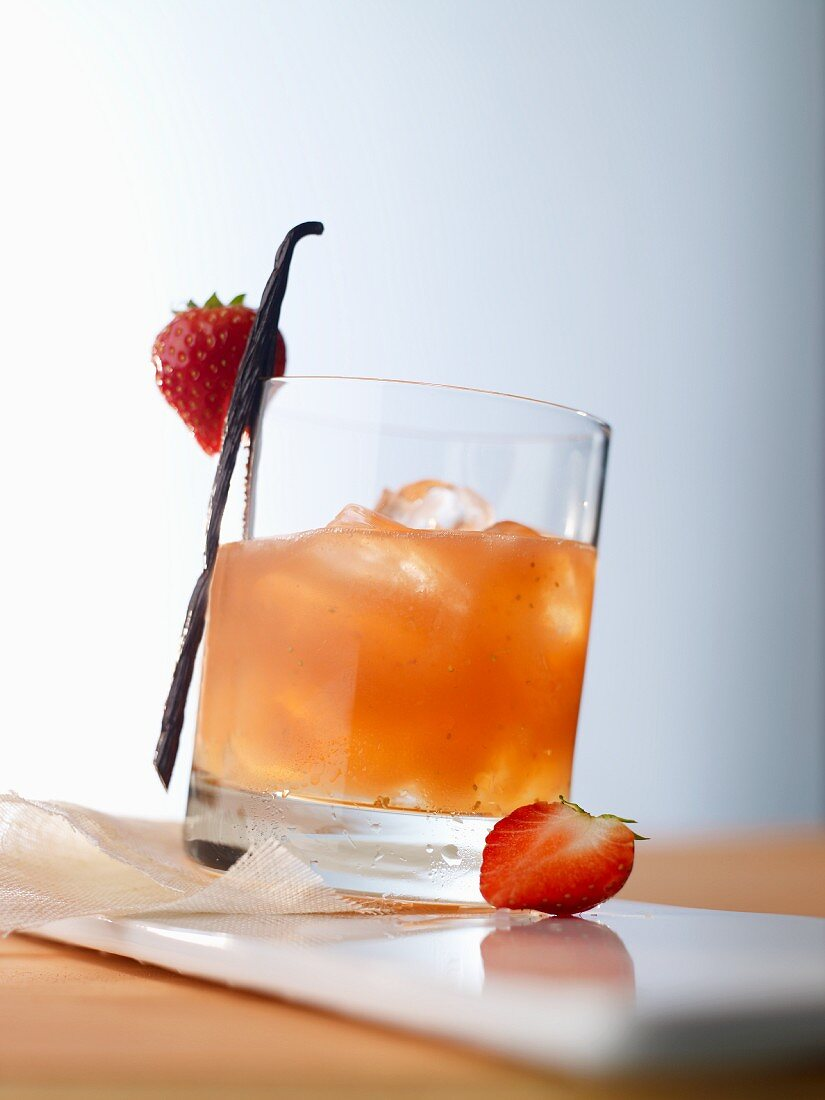 'Strawberry Night' (cocktail) with apple liqueur and strawberry juice