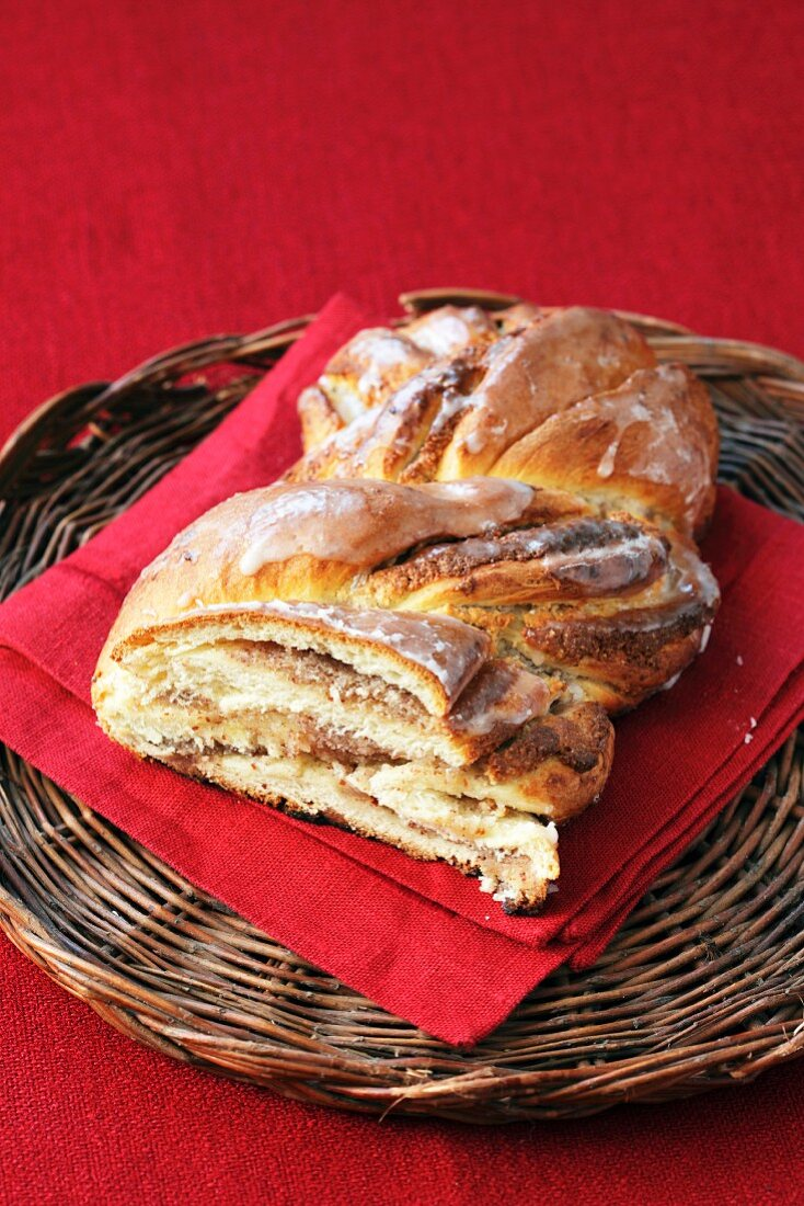 Yeast cake with a nut filling and icing sugar