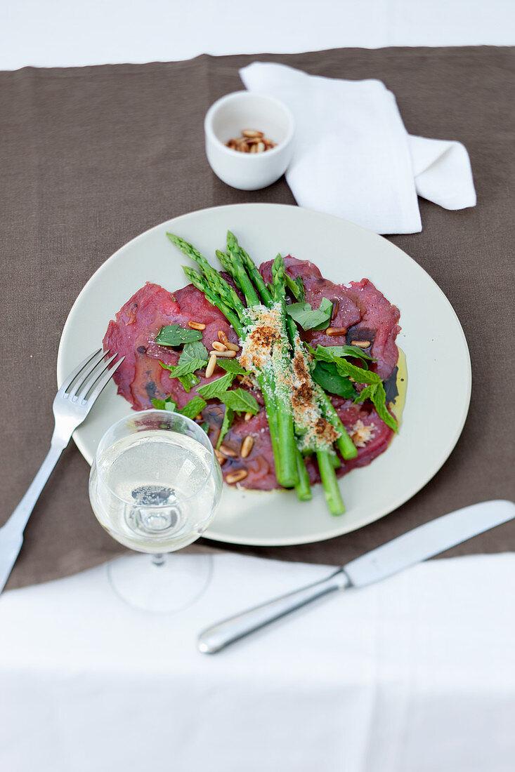Carpaccio with asparagus au gratin
