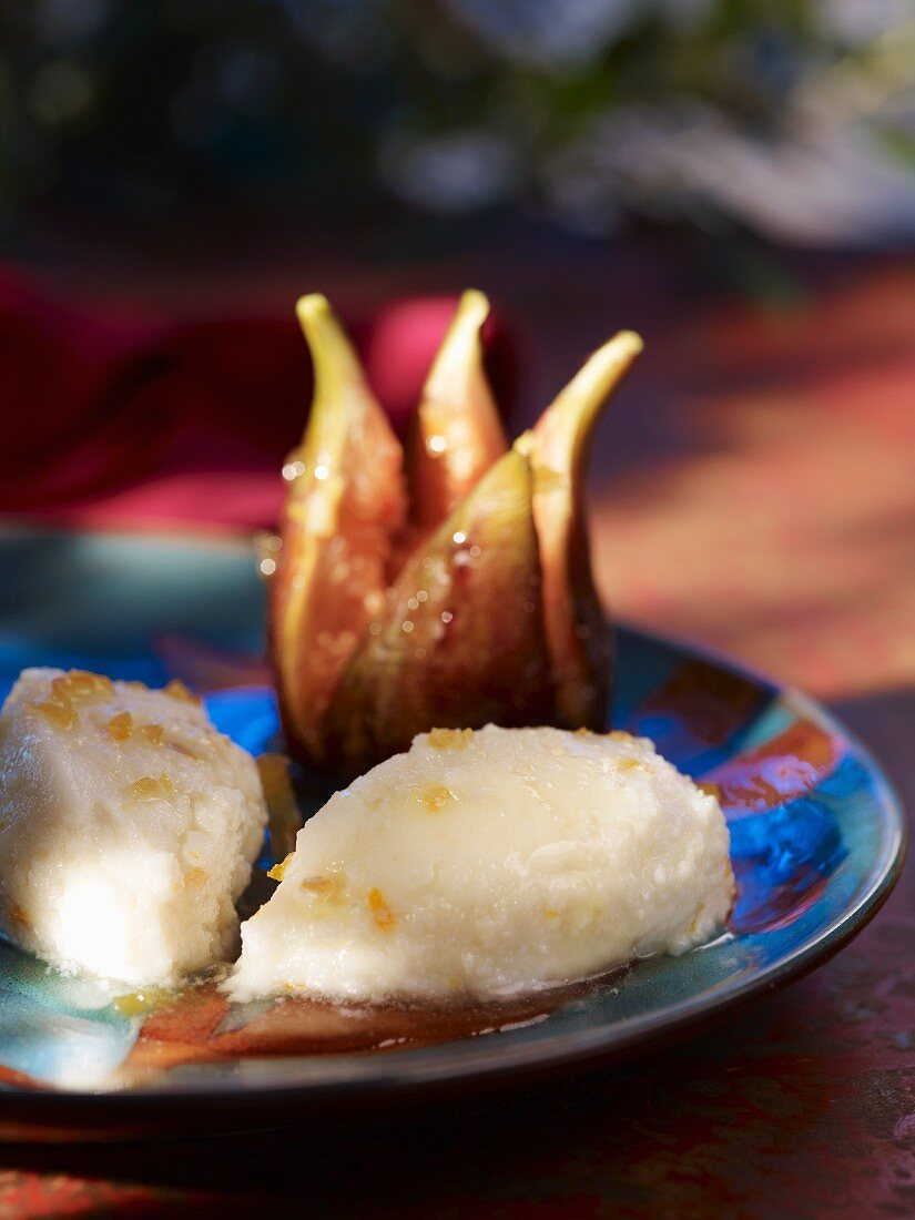 Brocciu (Corsican cream cheese) with roasted figs