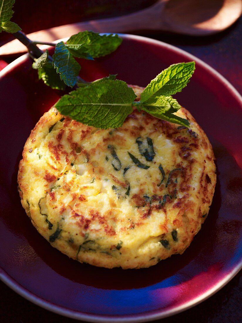 Cheese omelette with mint