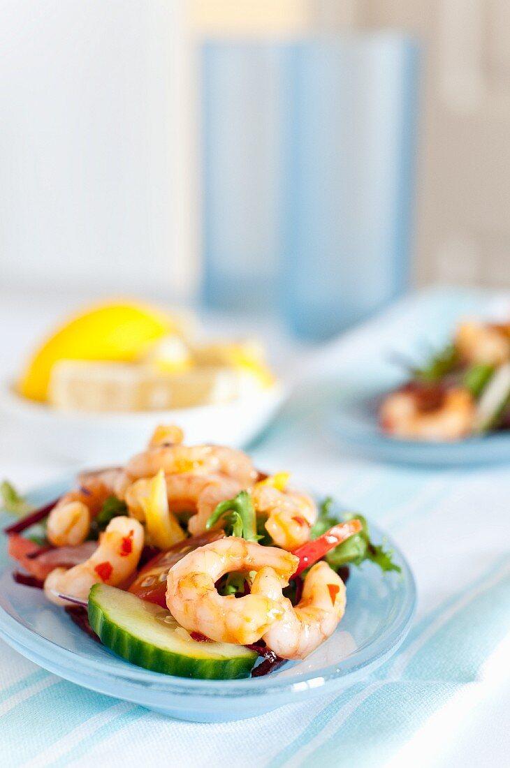 King prawn salad with chilli sauce