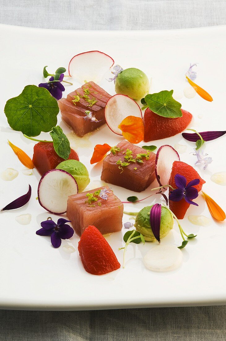 Tuna fish with Bloody Mary jelly