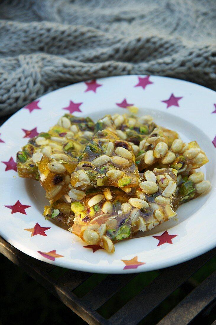 Almond-pistachio brittle (Bonfire Night, England)