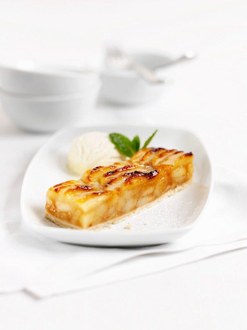 Apple bars with vanilla ice cream
