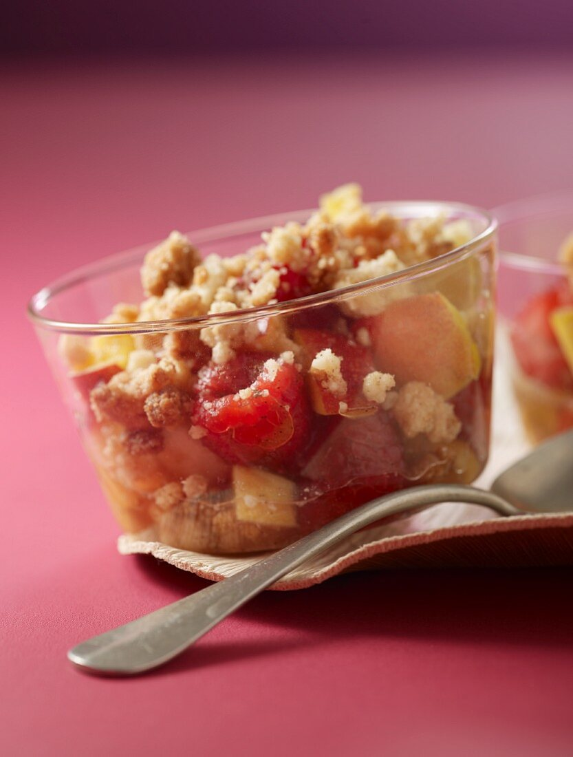 Fruit crumble in dessert bowls
