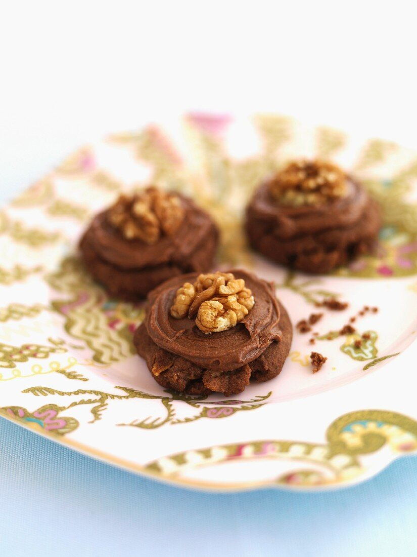 Afghan biscuits with walnuts (New Zealand)