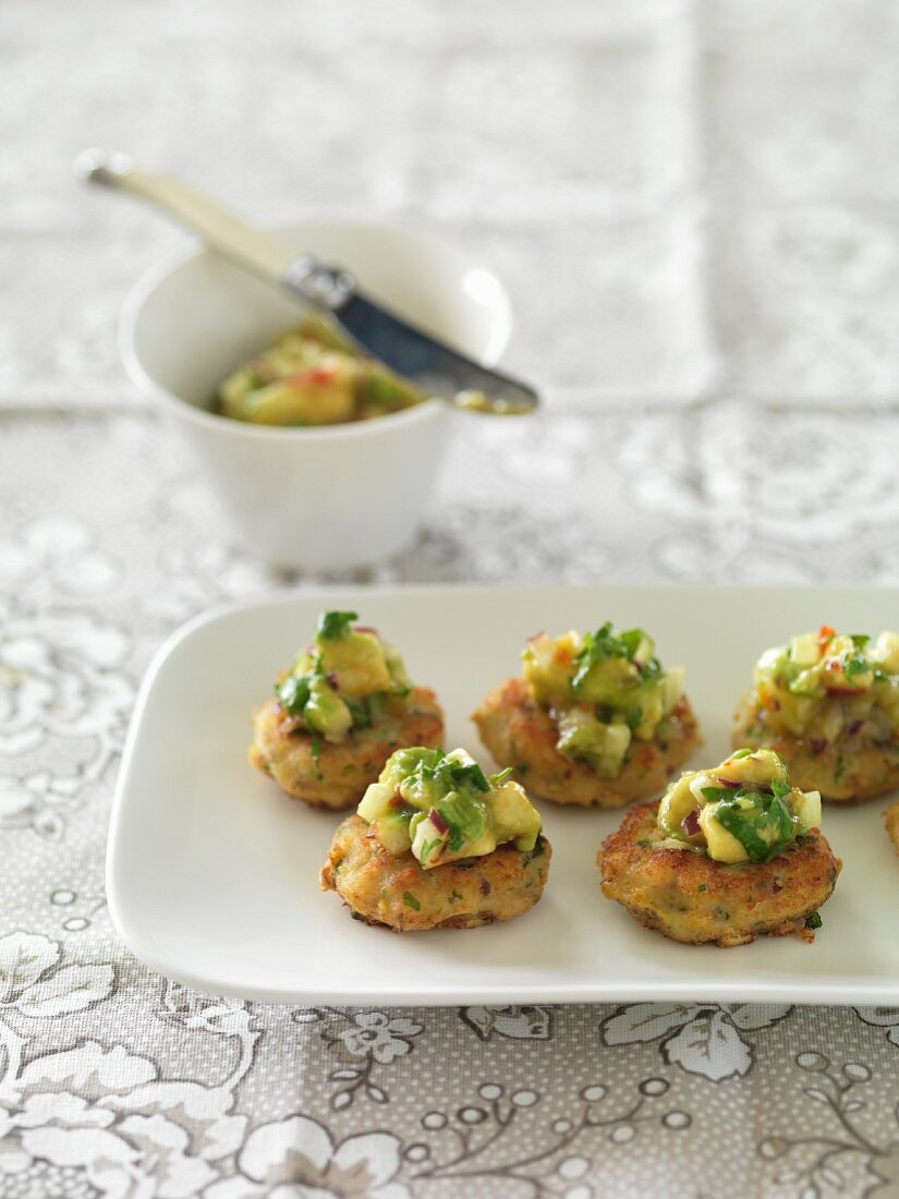 Fish cakes with avocado salsa (Thailand)