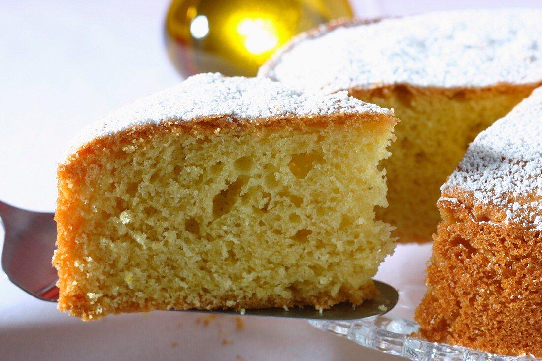 Pan di Spagna all'olio d'oliva (olive oil cake, Italy)