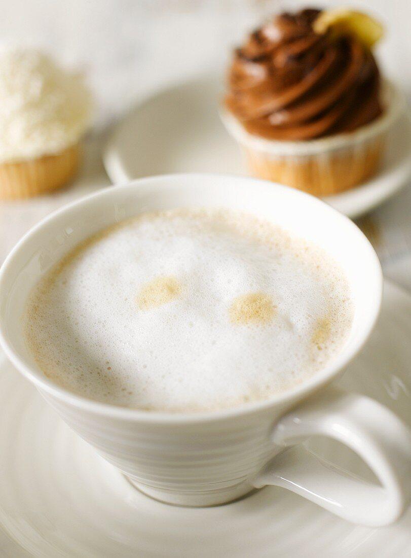Cafe au lait with cupcakes