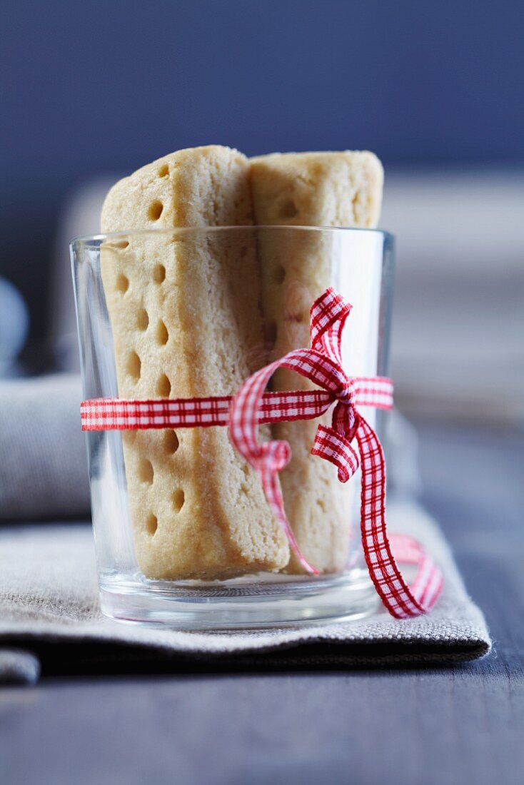Shortbread in a glass tied with a ribbon
