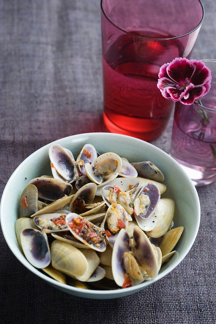 Venus clams with limes and chilli paste
