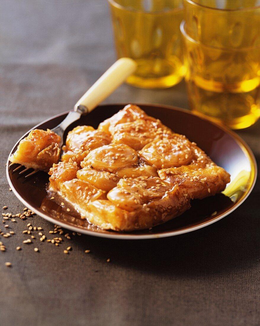 Apricot tarte tatin with sesame seeds