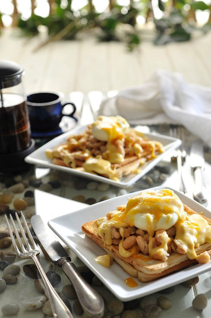 Welsh Rarebit with beans and poached egg