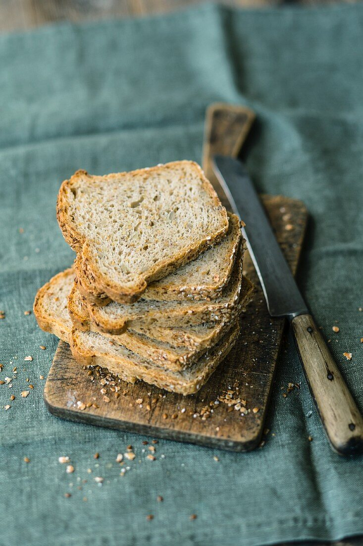 Sliced loaf bread with spelt, flaxseed and buckwheat flakes