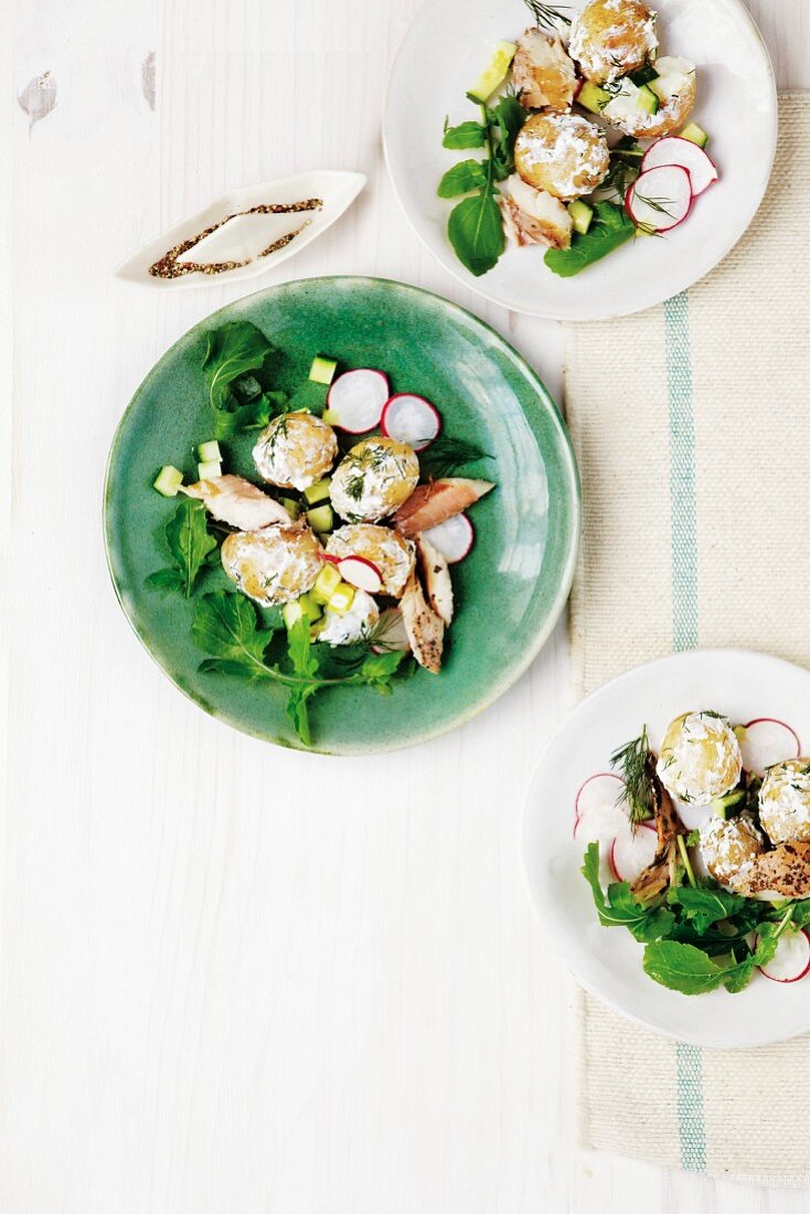 Potato salad with smoked mackerel and rocket