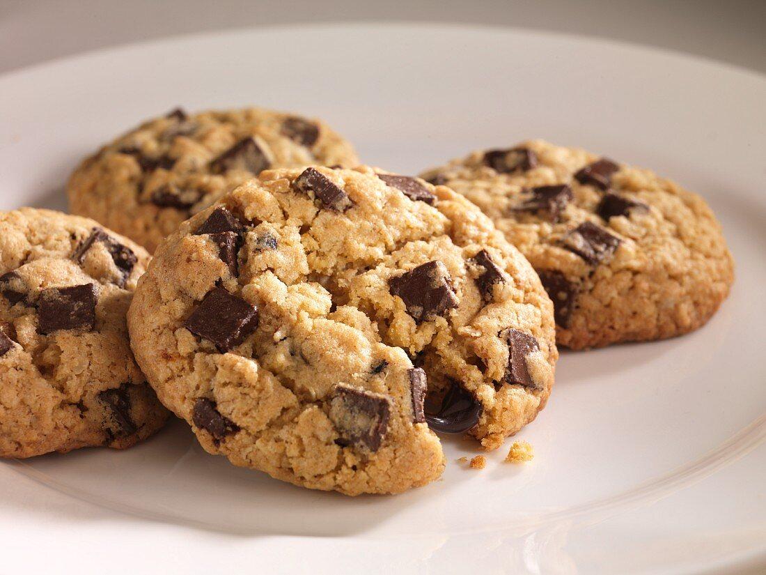 Vier Schokoladen-Hafer-Cookies