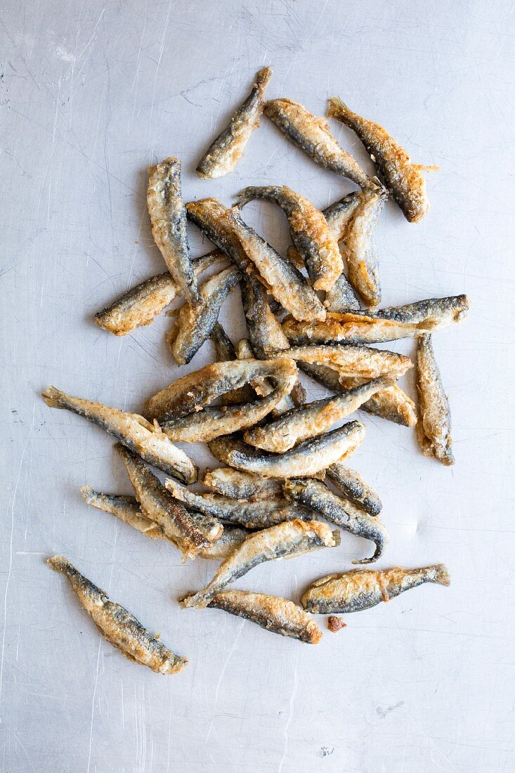 Fried smelts (seen from above)
